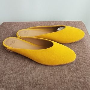 NWT Huma Blanco Roma Suede Slip on in Amber (SC)